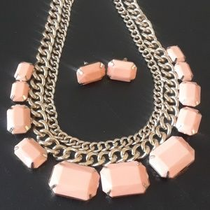 Jewelry - 50% OFF CUTE Peachy Necklace and Earring set